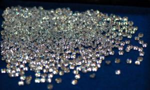 الماس می تواند کاشت دندان را بهبود بخشد 2