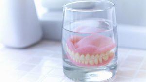 نظافت و پاکیزگی پروتز دندان